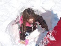 Christmas09hayleeSnowtunnel