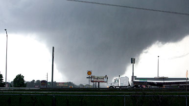 Tornado-386yp-042811